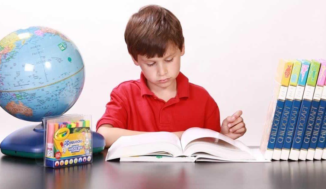 Como o acompanhamento escolar melhora o desempenho na escola?